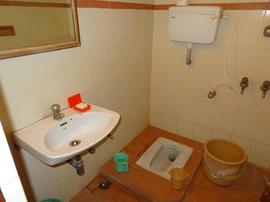 Hotel Chandra Palace:                   la salle d'eau