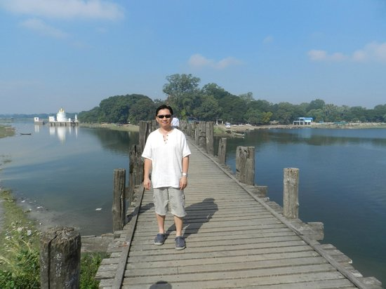 U Bein Bridge: The humble traveller