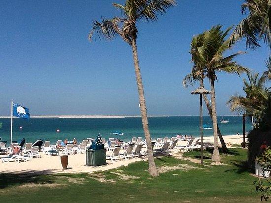 JA Jebel Ali Beach Hotel:                                     praia com vista para obras
