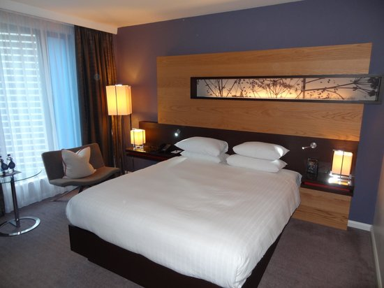 Hilton London Tower Bridge:                   nice and comfortable bed