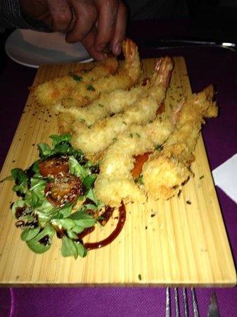 Bo & Gola :                                     langostinos en tempura.. que ricos!!!