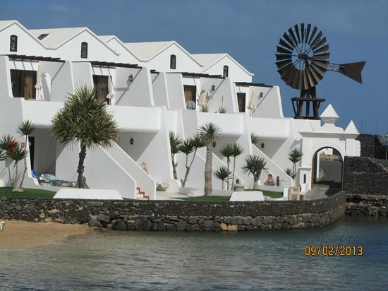 Sands Beach Resort:                   View of BF66 from lagoon