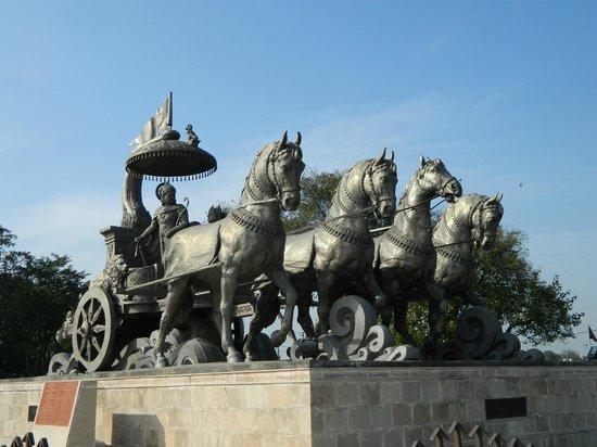 Kurukshetra, Inde : Bronze Chariot
