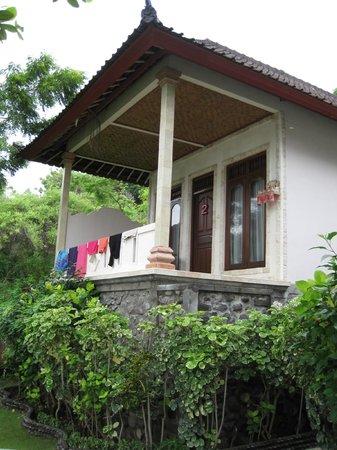 Double One Villas: nice porch