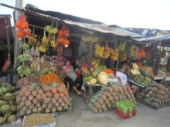 Batangas Province, Filippinerna:                                     фруктовая лавка