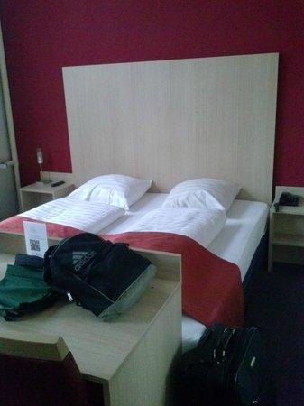 Nova Hotel Amsterdam:                   c amera