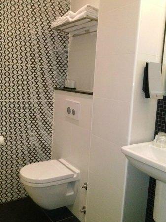 Nova Hotel Amsterdam:                   bagno