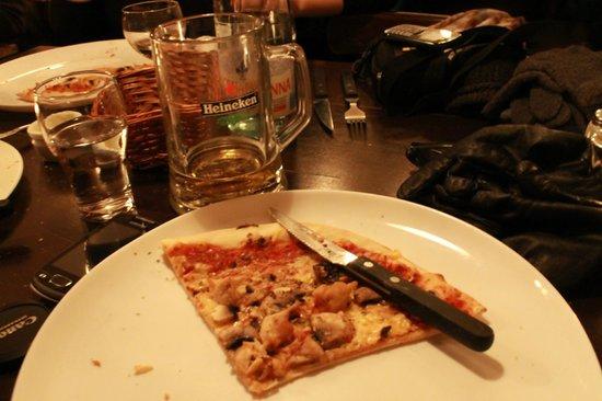 il palio :                   chicken and mushroom pizza