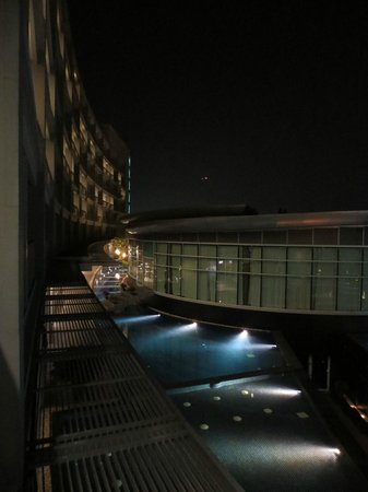 BEST WESTERN PREMIER Amaranth Suvarnabhumi Airport: View outside