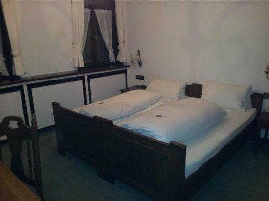 Ochsen Post:                   Zimmer Beistell Betten