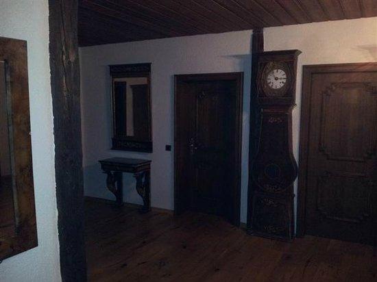 Ochsen Post:                   Korridor führt zu den Zimmern im ersten Stock