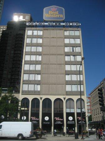 Best Western Grant Park Hotel:                                     Vista Hotel desde la Av Michigan
