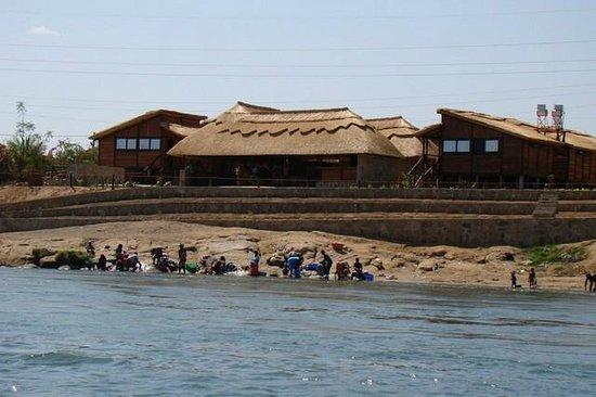 """Masolosolo Lodge:                                     """" Sua casa fora da casa """" """" Your home away from home"""""""