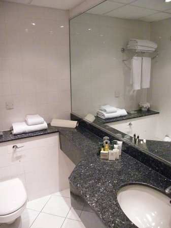 Hilton London Euston: bathroom...