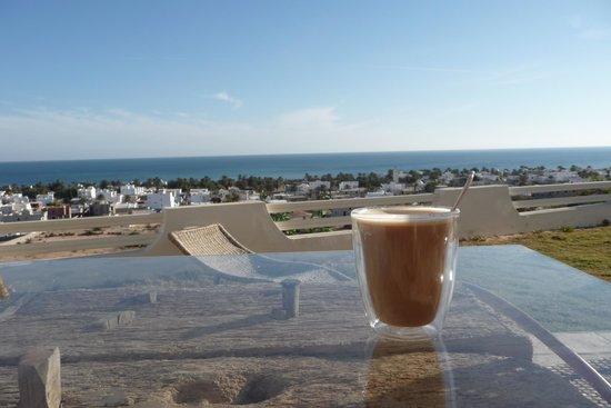 Dar Nesma :                                     le café vue sur mer ...