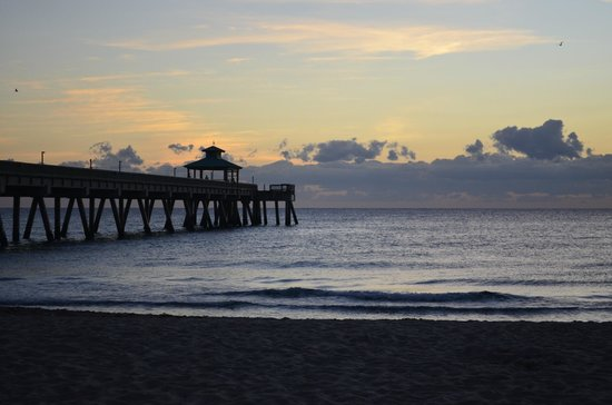 Wyndham Deerfield Beach Resort:                   Pier!