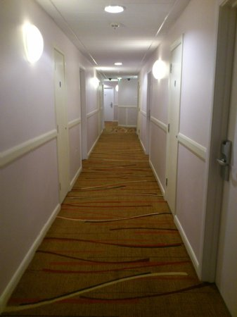 Jurys Inn Sheffield:                   Corridor