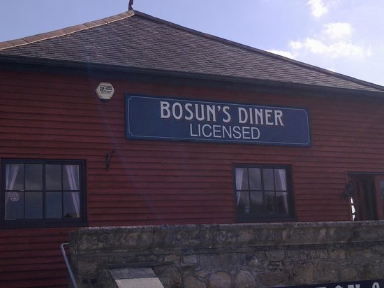 Bosuns Diner:                   Front view of Bosun's Diner