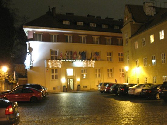 Kampa Garden:                   view to the hotel in the evening