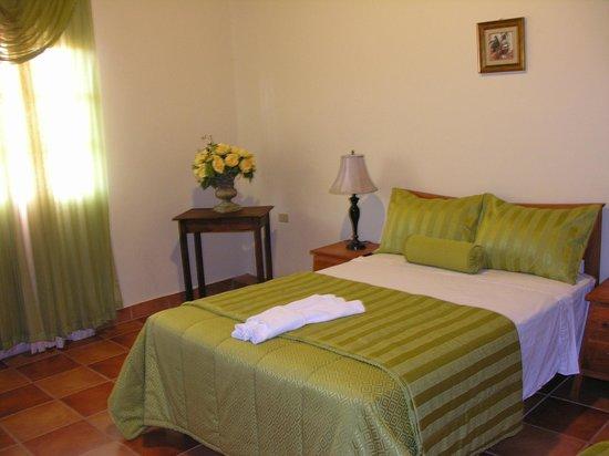 Hotel Tres Piedras: Amplias y comodas habitaciones