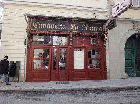 Cantinetta La Norma:                   Exterior