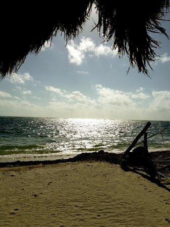 Kabah na:                                     La playa desde temprana hora.