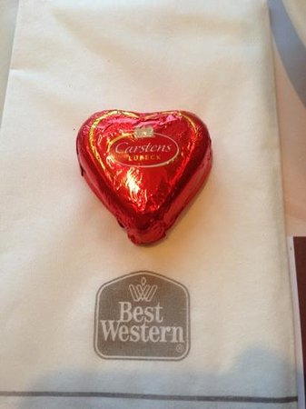 Leonardo Hotel Berlin City West:                   バレンタインのチョコ頂きました。