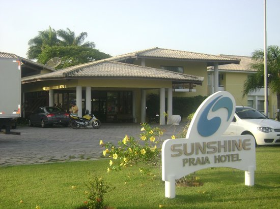 Sunshine Praia Hotel:                   Hotel desde afuera