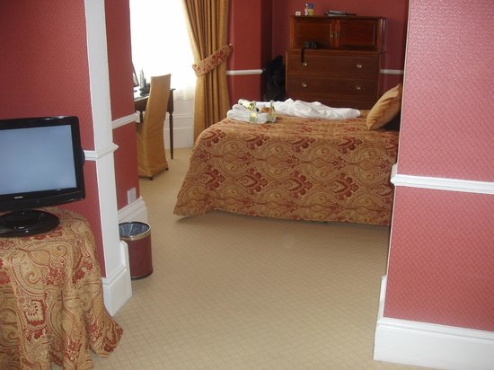 Bryn Derwen:                   From sitting area into bedroom 3 First floor overlooking Abbey Road - 2 large