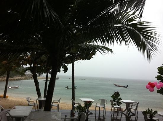 Salad Buri Resort & Spa:                   rainy day view from restaurant                 