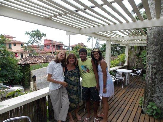Pousada Casacolina :                   En el deck del comedor con Elena. Hermoso lugar....hermosa estadía!!!