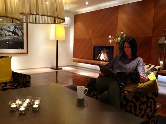 Clarion Hotel Amaranten:                   loungen i entrén