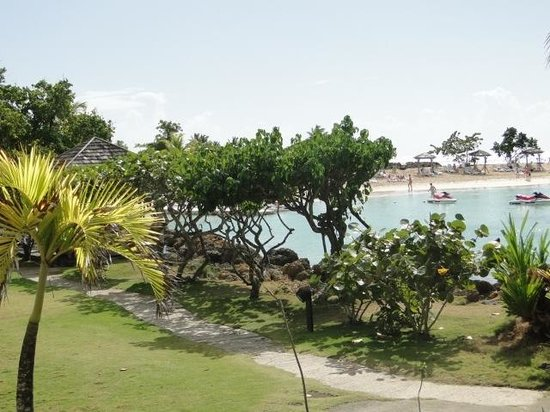 La Creole Beach Hotel:                   Beach