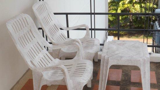 Kata Beach Center Hotel: Die Terrassenstühle