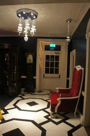 Francis Hotel Bath - MGallery by Sofitel:                   Near the lobby...