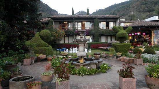 Hotel Atitlan:                   Beautiful grounds