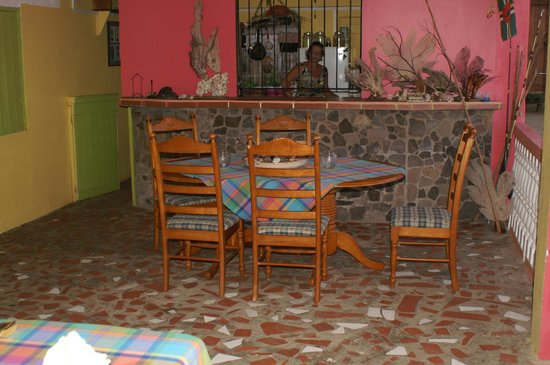 Veranda View Guest House: Common Dining area