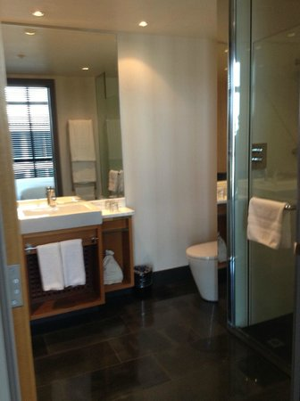 Sofitel Auckland Viaduct Harbour: bathroom