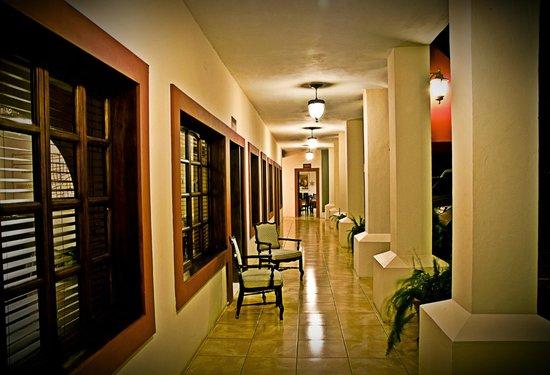 Hotel Palacio Real: Corredor del hotel