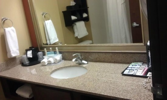 Holiday Inn Express & Suites Huntsville Airport:                   Nicely done
