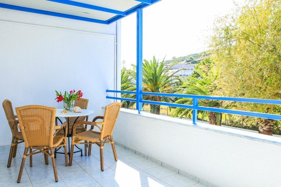 Ostria Hotel & Apartments: 1st Floor Balcony