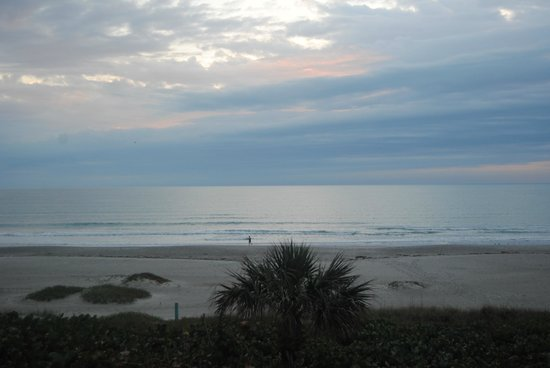 International Palms Resort & Conference Center Cocoa Beach:                   View from our room balcony!