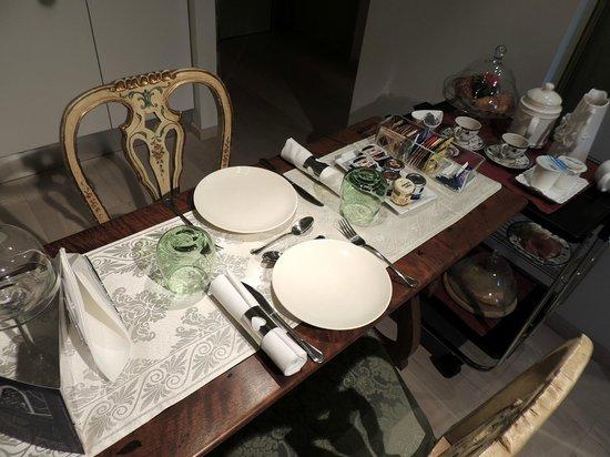 Juliette's Suite:                   prima colazione in camera