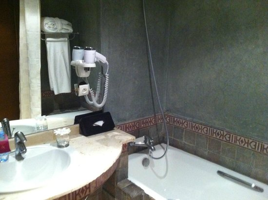 Hivernage Hotel & Spa: A standard Room Bathroom