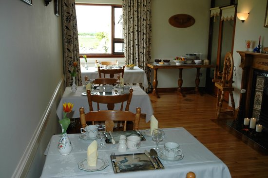 Hazel Grove B&B: Dining Room