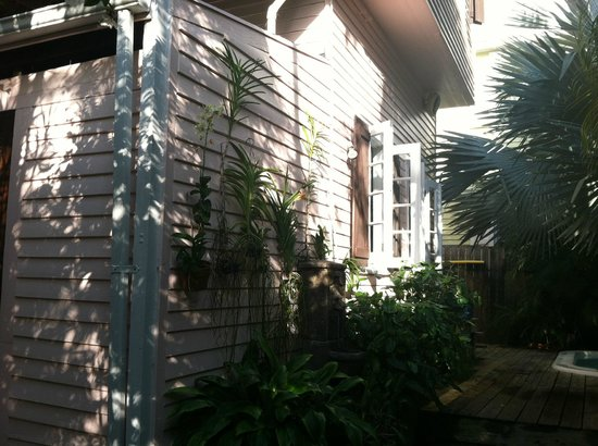 Key West Bed and Breakfast:                   Breakfast in the beautiful garden