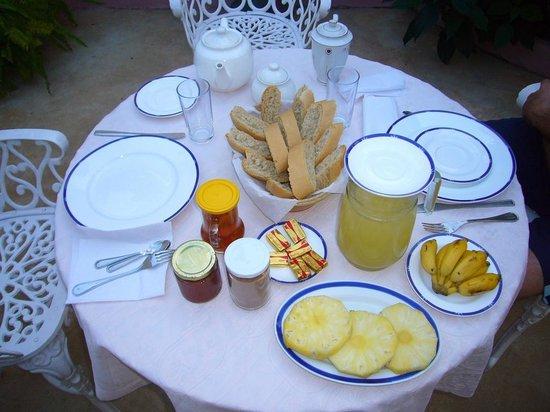 Casa Colonial Perez-Ramos:                   colazione