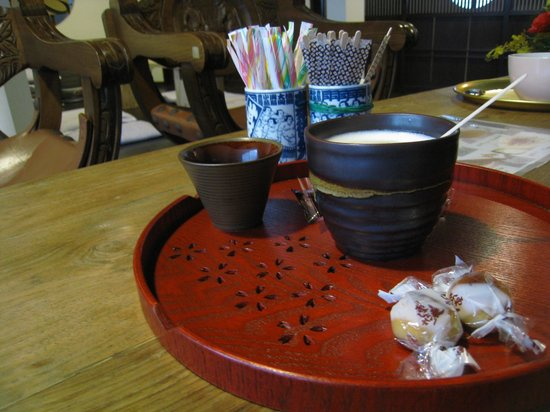 Chiyoda Inn :                   No breakfast, but they'll make you an espresso/cappuccino for a few hundred ye