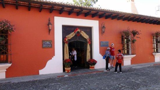 Porta Hotel Antigua:                   Hotel Antigua