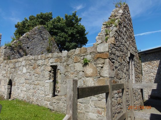 Dalkey Castle and Heritage Centre: The courtyard ruins